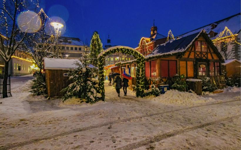 Suhl Weihnachtsmarkt.Gäste Aus Leszno Auf Dem Suhler Weihnachtsmarkt Neue Henneberger