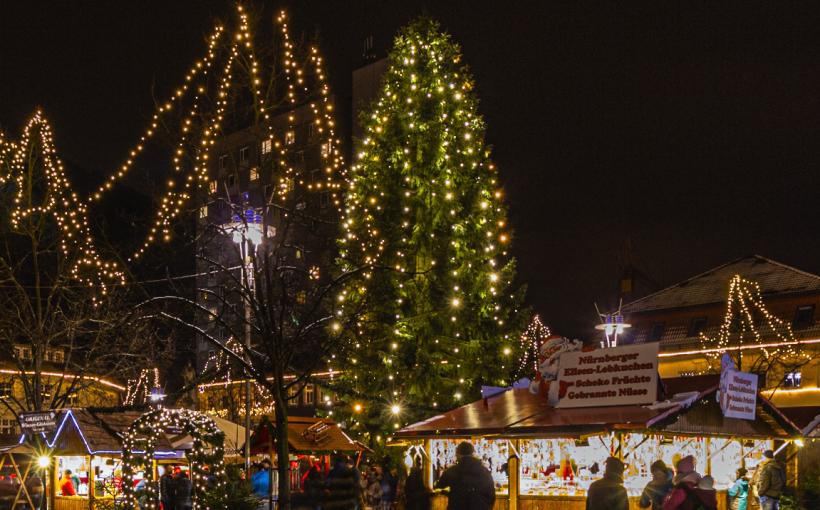 Weihnachtsbaum Weihnachtsmarkt Suhl