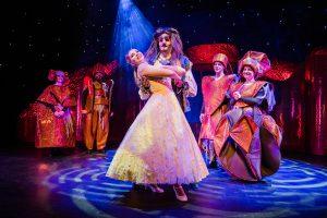 """""""Die Schöne und das Biest"""" – Familien-Musical @ Stadttheater Hildburghausen"""