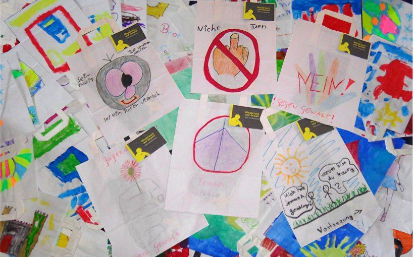 """""""Netzwerk gegen Gewalt in der Familie"""" auf das Thema der häuslichen Gewalt aufmerksam"""